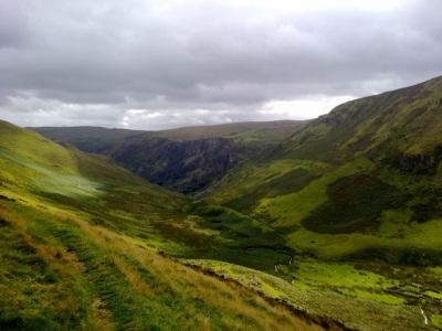Following Nant y Llyn off Berwyn towards Tan-y-Pistyll. Sep 2012.